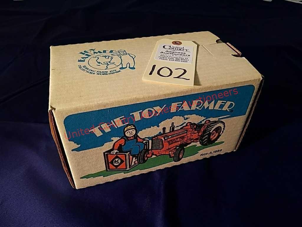 Toy Farmer Allis Chalmers D19 Tractor (Nov 3, 1989   United