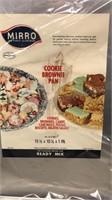 Lot of Vintage Mirro Aluminum Covered Cake Pan Set