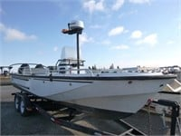 2000 Boston Whaler Guardian 25' Boat | HiBid Auctions
