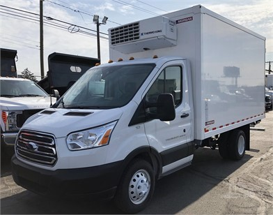 87846388c6a065 FORD Reefer Van Trucks   Box Trucks For Sale - 32 Listings ...