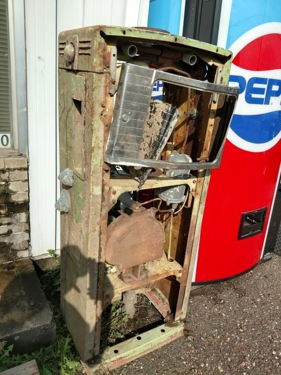 Antique Wayne Model 505 gas pump for parts or | Ryan's