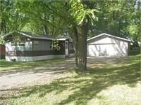 3 Bedroom, 1 Bath Home: 2413 East Hintz St. Marshfield, WI