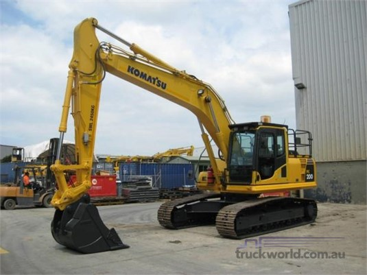 2014 Komatsu PC200 LC-8 Heavy Machinery for Sale