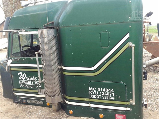 1996 FREIGHTLINER Cab For Sale In Dexter, Missouri | www