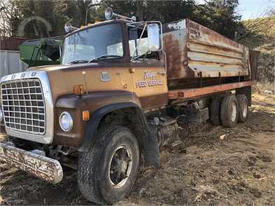 1572075784 Dump Trucks Online Auctions - 37 Listings