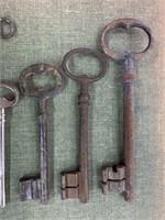 Lot of Vintage Skeleton Keys