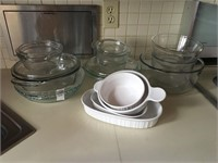Casserole bowls, dishes and pie plates