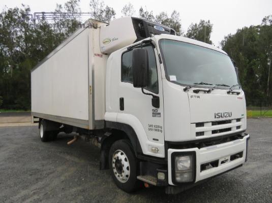 2013 Isuzu FTR 900 Long Premium AMT - Trucks for Sale