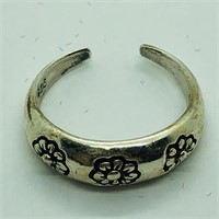 Silver  Ring (186 - CR95)   (D2)