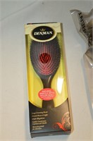 (2) Hair Brushes