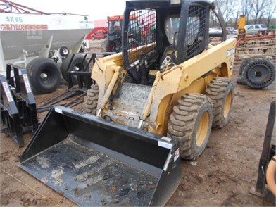 JD 320 SKID STEER Other Auction Results - 1 Listings