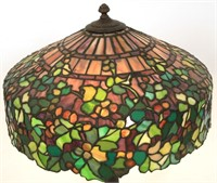 J.A. Whaley 18 Inch Leaded Grape Table Lamp