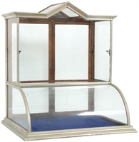 Claes & Lehnbueter Single Tower Display Case