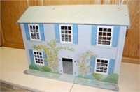 Vintage Doll House / as is , no mfg mark