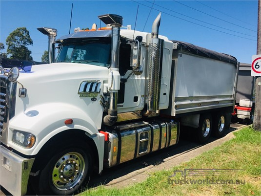 2011 Mack Trident - Trucks for Sale