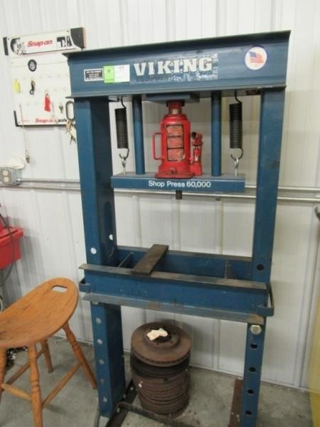Viking 60,000 Shop Press | Compass Auctions & Real Estate