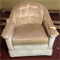 Club chair on wheels