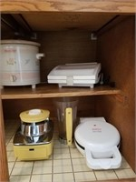 Lot of small appliances