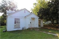 358 12th St. Paris, TX 2-bed / 1-bath home