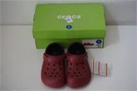 CROCS SIZE 1 BRICK RED