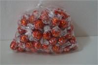 100 COUNT LINDT LINDOR CHOCOLATES EXP 07/19