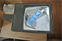 CANLYTE KEENE 175 WATT PARKING LOT FLOOD LAMP