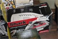 Shark Iron