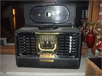 ZENITH TRANSOCEANIC STANDARD BROADCAST RADIO,