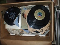 LARGE LOT OF RECORDS 45'S, 33'S AND 78'S