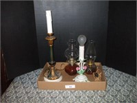 2 ELECTRIC LAMPS AND 2 OIL LAMPS