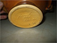 ROSEVILLE PINECONE PATTERN HANDLE BASKET