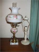 2 DRESSER LAMPS