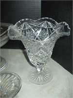 BOX OF CLEAR GLASS, CHINA, POTTERY, HANDLE BASKET