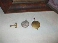 SMALL OG STYLE CLOCK, W/ PENDULUM,