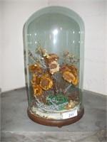FLOWER ARRANGMENT UNDER GLASS DOME