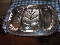 TABLE TOP OF SILVERPLATED SERVING ITEMS 15 ITEMS
