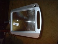 MAGNIFYING LAMP W/ BATTERY POWERED LIGHTS