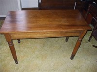 PINE COUNTRY 2 BOARD TOP TABLE, SQUARE NAILS,