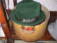 10 VINTAGE MENS' HATS SOME W/ BOXES