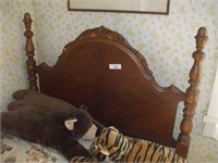 TWO SINGLE BEDS WITH MATTRESS AND BOX SPRING