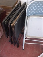 4 FOLDING CHAIRS W/ TV TABLES, ROLLING TABLE,
