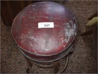 RED SEAT STOOL (RUST ON LEGS)
