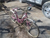 WOMAN'S SCHWINN BICYCLE, MEN'S ULTIMA BICYCLE