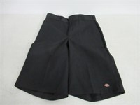 Dickies Men's Size 34 13 Inch Loose Fit