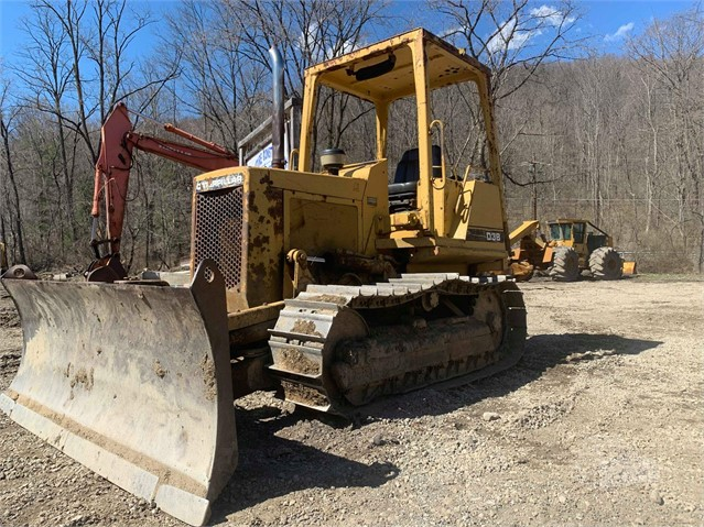 1985 CAT D3B For Sale In Johnstown, Pennsylvania
