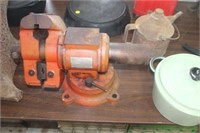 "5"" Swivel Vise with Pipe Clamp"
