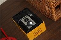 Vintage Brownie Reflex Syncpro Camera