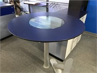 Triumph counter and display table