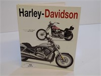 HARLEY DAVIDSON BOOK HAS HUGE PULLOUT PICTURES