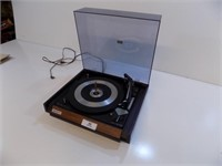 SANYO RECORD PLAYER-UNTESTED
